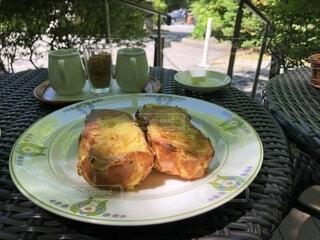カフェでフレンチトーストの写真・画像素材[1648082]