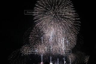 空に花火の写真・画像素材[1648175]