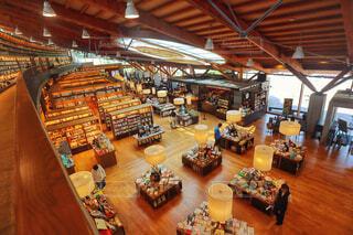 おしゃれな書店の写真・画像素材[1657111]