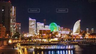 夜の街の景色の写真・画像素材[1654076]