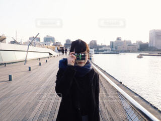 写真を撮る人の写真・画像素材[1655715]