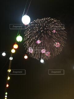 空に花火の写真・画像素材[1662196]