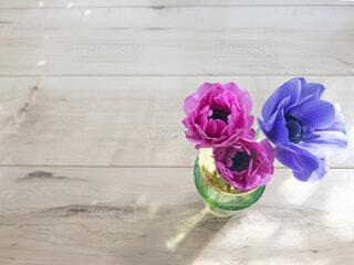 ピンクの花の花束の写真・画像素材[2127567]