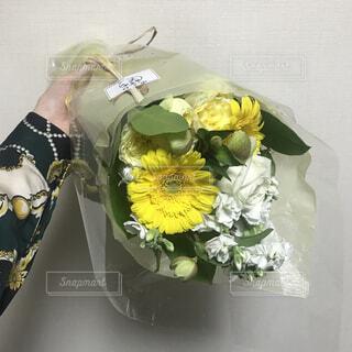 誕生日に友人から頂いた花束💐の写真・画像素材[1663035]