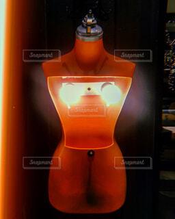 光る乳首の写真・画像素材[1663406]