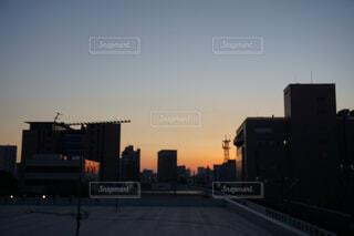 夕暮れ時の都市の景色2の写真・画像素材[1664835]