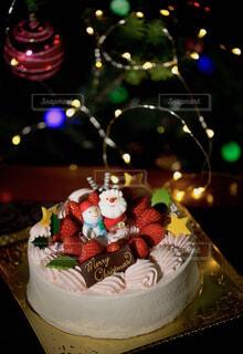 クリスマスツリーとケーキの写真・画像素材[1687825]