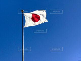 赤白と青の旗の写真・画像素材[1765035]