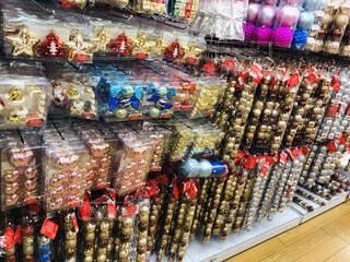クリスマス装飾★ボールがたくさんの写真・画像素材[1669716]