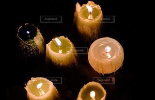 夜はライトアップ キャンドルの写真・画像素材[1688571]
