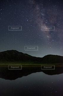 夜空の写真・画像素材[2332445]