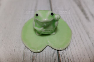前向き蛙さんの写真・画像素材[2104910]
