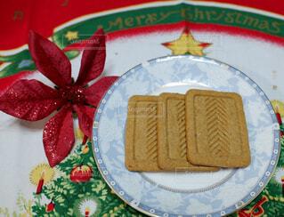 プルーン&いちじく入りクッキーの写真・画像素材[2410996]