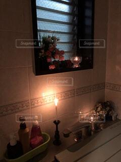 風呂場の明かりの写真・画像素材[2729690]