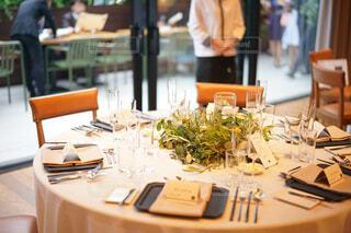 結婚式披露宴のゲストテーブルの写真・画像素材[1672189]