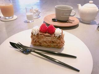 銀座のアンリシャルパンティエで銀座店限定ケーキ♡の写真・画像素材[1672294]