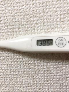 熱がある体温計の写真・画像素材[1785255]