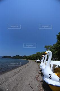 ビーチの上に座ってボートの写真・画像素材[1685403]