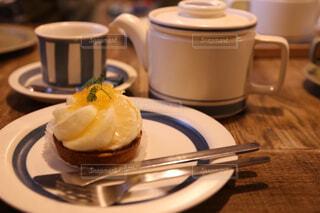 紅茶とケーキの写真・画像素材[1687343]