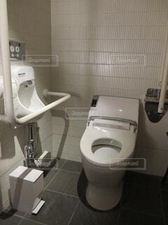 個室トイレの写真・画像素材[1705011]