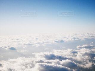空の上の写真・画像素材[1676936]