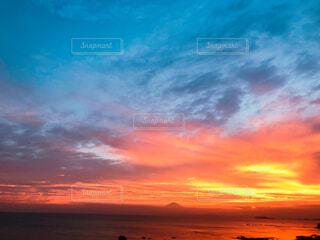夕焼け空に富士山の写真・画像素材[1726891]