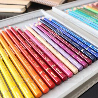 三菱uni色鉛筆36色セットの写真・画像素材[2042937]