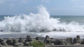 台風の高潮の写真・画像素材[1682886]