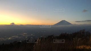 富士山と夕沈みの写真・画像素材[1682938]
