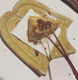 皿の上の串揚げの写真・画像素材[1682116]