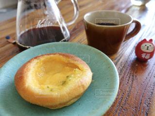コーヒーとパンの写真・画像素材[1684751]