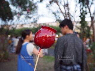 祭りと言えばりんご飴の写真・画像素材[1695307]