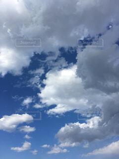 青空と雲の写真・画像素材[2177498]