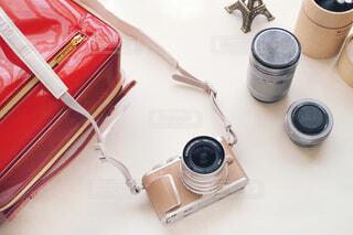 女性向けミラーレスカメラとカメラグッズの写真・画像素材[1701631]