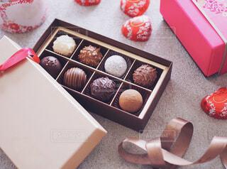 リキュール入りトリュフのバレンタインチョコレートの写真・画像素材[1707778]
