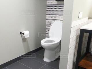 ホテルの客室のトイレの写真・画像素材[1716762]
