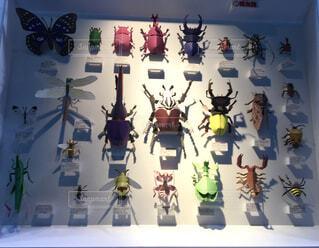 ペーパークラフトの多色な昆虫たちの写真・画像素材[1849077]