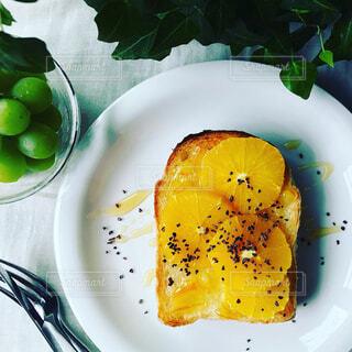 オレンジトーストの写真・画像素材[681683]