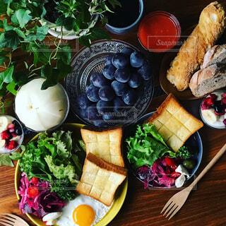 秋のフルーツとビーツのサラダ - No.783713