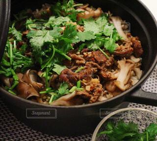 牛肉ときのこの炊き込みご飯の写真・画像素材[794868]