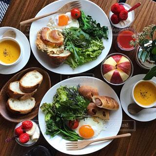野菜たっぷり朝ごはんの写真・画像素材[974613]