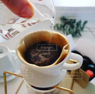 ハンドドリップコーヒーの写真・画像素材[1001518]