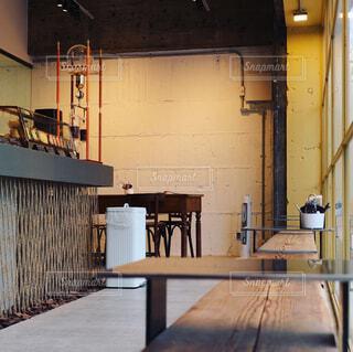 ベーカリーのカフェスペースの写真・画像素材[1075978]