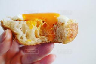 目玉焼きトーストの写真・画像素材[1093472]