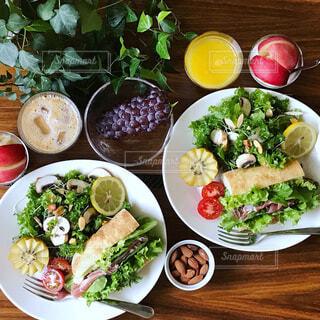 野菜たっぷり朝ごはんの写真・画像素材[1312579]