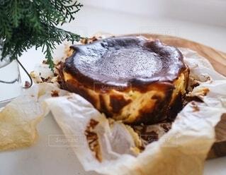 バスク風チーズケーキの写真・画像素材[2744040]