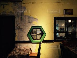 緑色の光の部屋 - No.924271