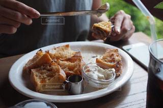 グリーンとフレンチトーストの写真・画像素材[1691774]