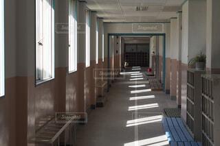 学校の廊下の写真・画像素材[1691778]