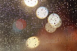 窓の外には雨の写真・画像素材[1764028]